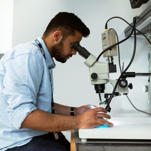 Vad har en labbassistent för lön?
